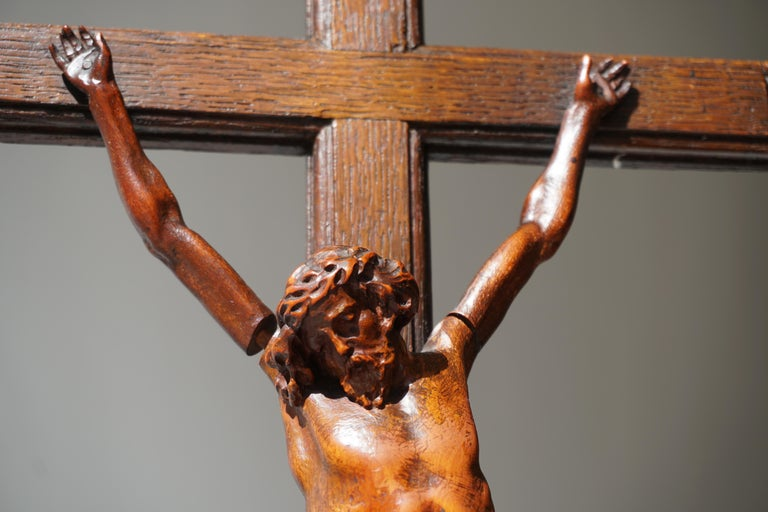 Rare and Remarkable Corpus Christi on a Decorated Wooden Cross with a Skull For Sale 4
