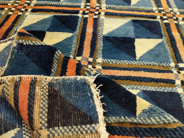 Rare and Unusual Art Deco Chinese Rug For Sale 4