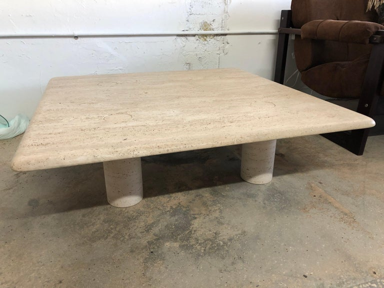 Rare Angelo Mangiarotti Travertine Coffee Table for Up&Up, Italy In Excellent Condition For Sale In Miami, FL