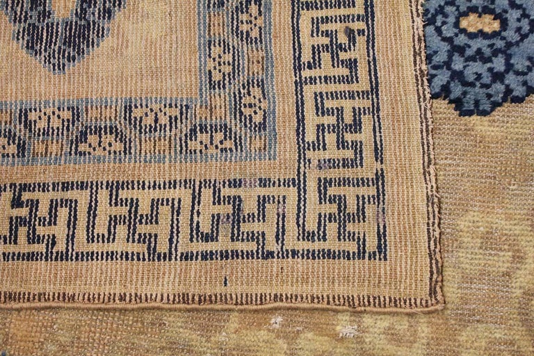 Rare Antique 17th Century Chinese Ningsia Rug. Size: 4 ft 7 in x 9 ft  For Sale 2