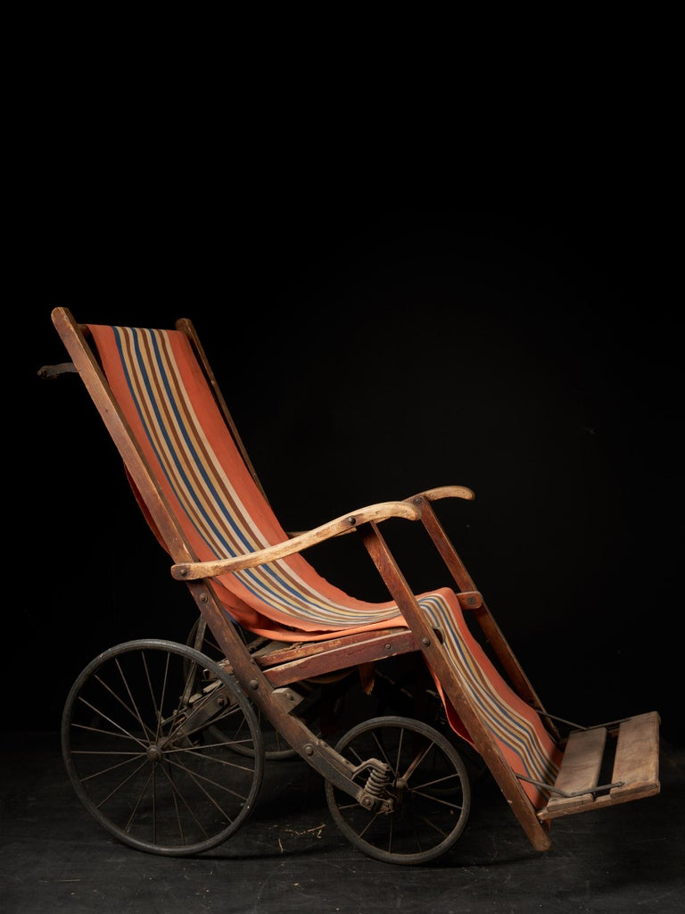 French Rare Antique 4-Wheel Configuration Pushchair from Early 20th Century For Sale