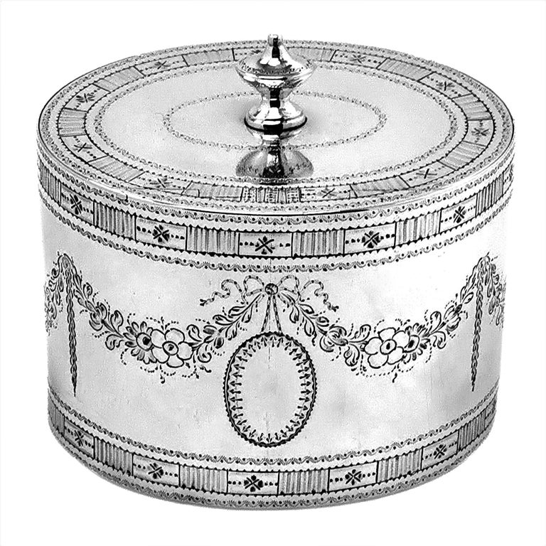 Rare Antique Georgian Sterling Silver Tea Caddy Box 1780 Two Compartment In Good Condition For Sale In London, GB