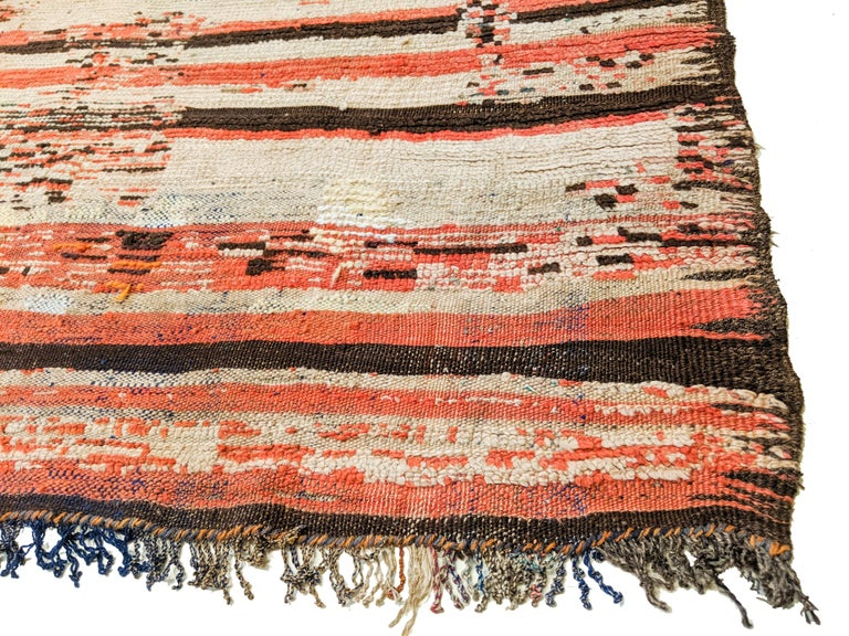 Rare Antique Rehamna Moroccan Berber Rug In Good Condition For Sale In Milan, IT