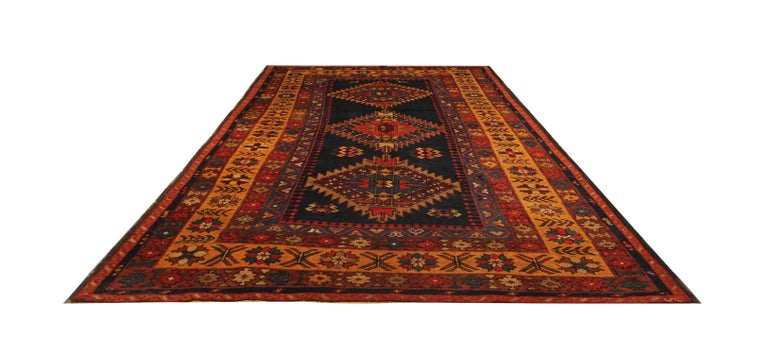 Rare Antique Rug Caucasian Medallion Rug Handmade Carpet from Kazak Area In Excellent Condition For Sale In Hampshire, SO51 8BY