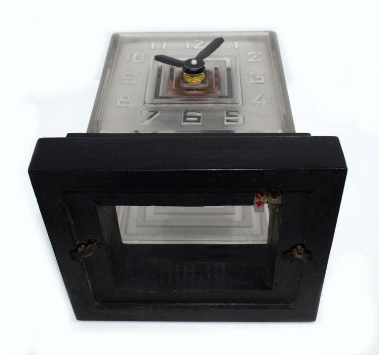 Rare Art Deco Bulle Glass Clock, Signed  P.M.Favre, 1930s For Sale 4