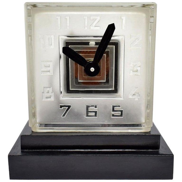 Rare Art Deco Bulle Glass Clock, Signed  P.M.Favre, 1930s For Sale