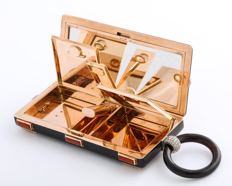 Rare Art Deco Cartier Vanity Case Compact Carved Coral Enamel Diamonds and Onyx For Sale 10