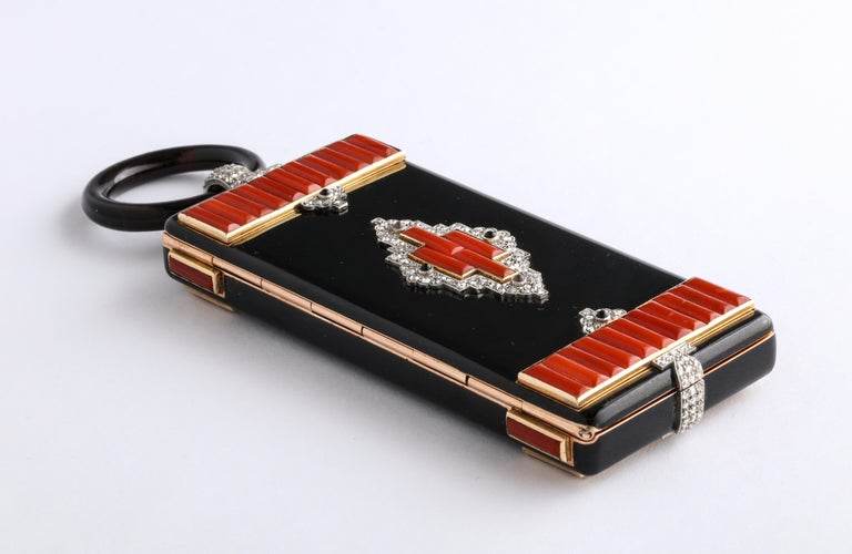 Rare Art Deco Cartier Vanity Case Compact Carved Coral Enamel Diamonds and Onyx For Sale 3