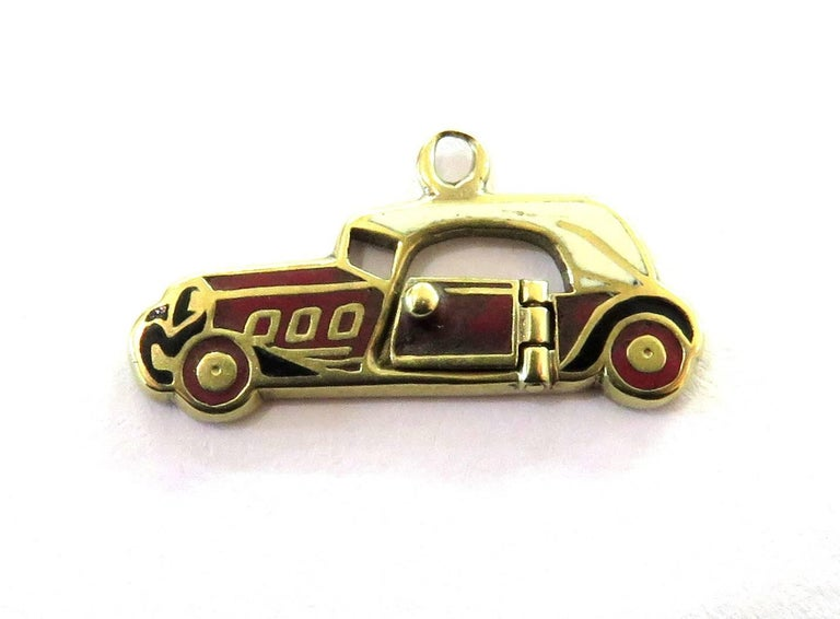 Rare Art Deco Two-Seat Sports Car Movable Enamel Love Charm Pendant In Excellent Condition For Sale In Palm Beach, FL