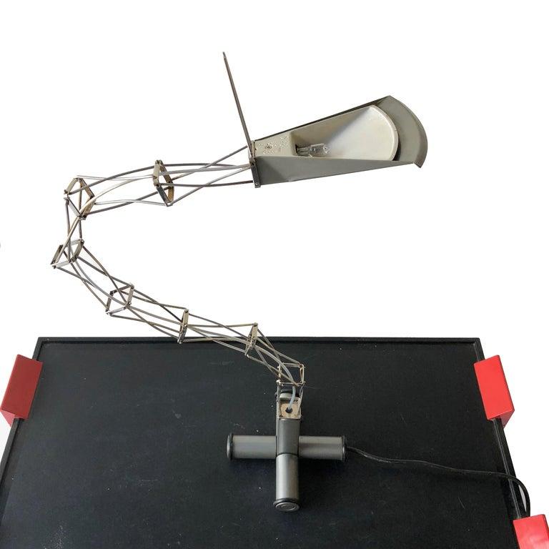 Metal Rare Articulated Sculptural Italian Desk Lamp, 1980s Mid-Century Modern For Sale