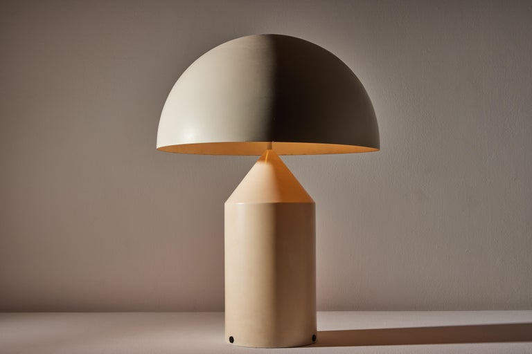 Atollo table lamp by Vico Magistretti for Oluce. Designed and manufactured in Italy, 1977. Rare, out of production finish. Original cord, U.S. adaptor provided. We recommend two E27 100w maximum bulbs. Bulbs provided as a one time courtesy. Rewiring