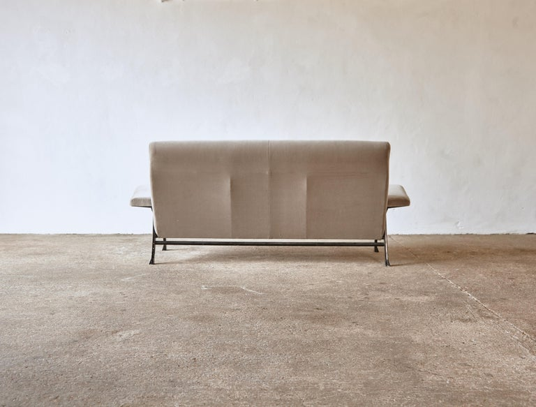 20th Century Rare Authentic 1950s Roberto Menghi Sofa, Arflex, Italy, Newly Upholstered For Sale