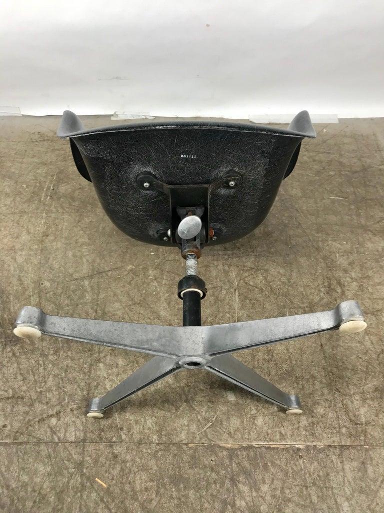 Aluminum Rare Black Fiberglass Tilt Swivel Arm Shell, Aluminium Base DAT by Charles Eames For Sale