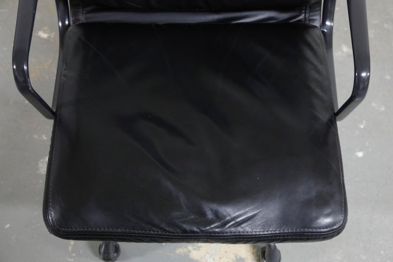 Rare Black on Black Eames Soft Pad Management Chair by Herman Miller, 1988 For Sale 3