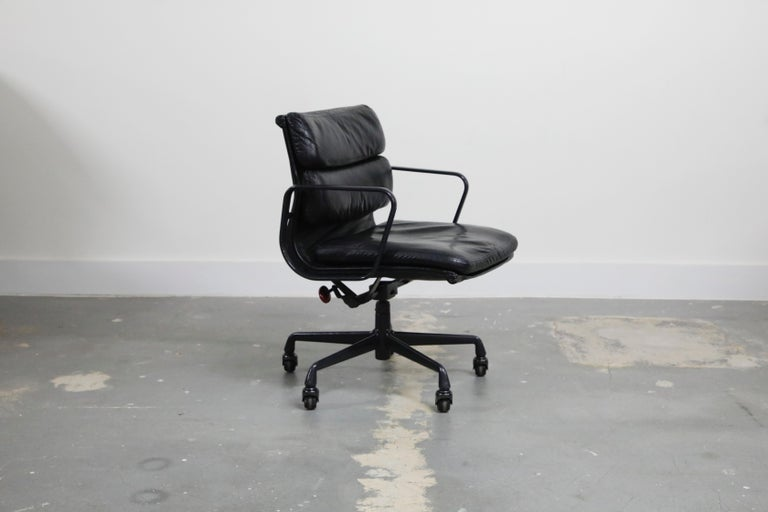 Mid-Century Modern Rare Black on Black Eames Soft Pad Management Chair by Herman Miller, 1988 For Sale