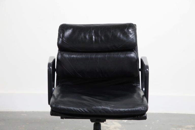 Rare Black on Black Eames Soft Pad Management Chair by Herman Miller, 1988 For Sale 1