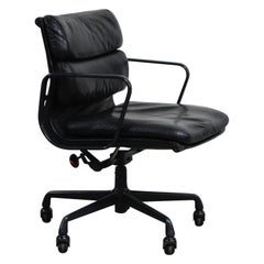 Rare Black on Black Eames Soft Pad Management Chair by Herman Miller, 1988