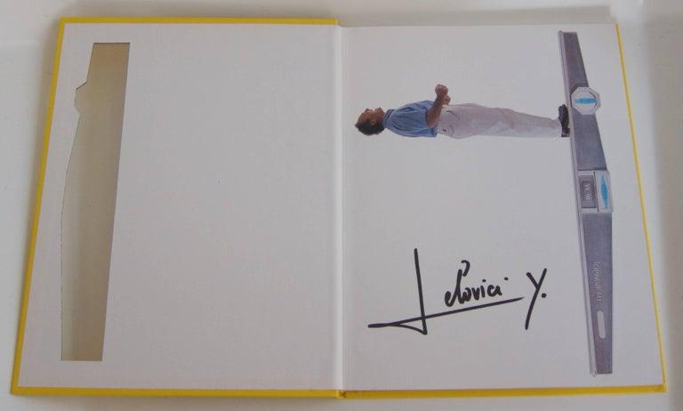 Rare Book: Yonel Lebovici, Sculpteur de haut niveau In Excellent Condition For Sale In Vienna, AT