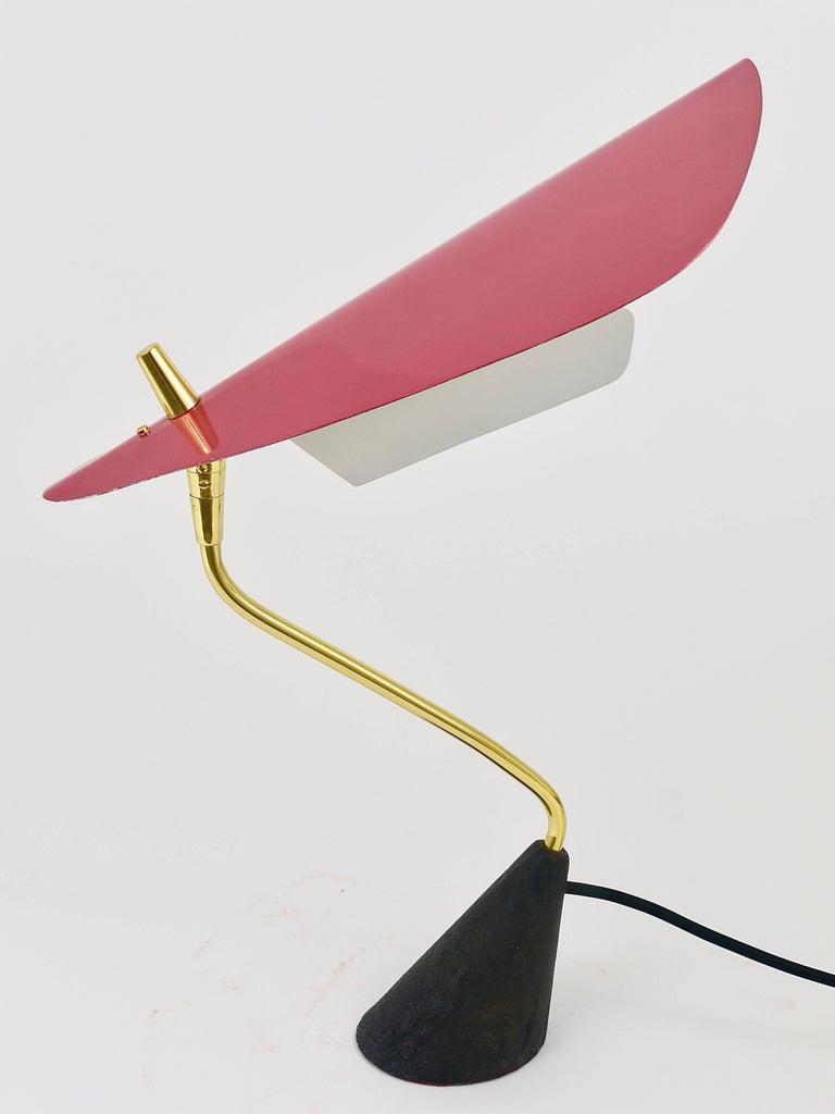 Seltene Tischlampe aus Messing von Karl Hagenauer, Österreich, 1950er 15