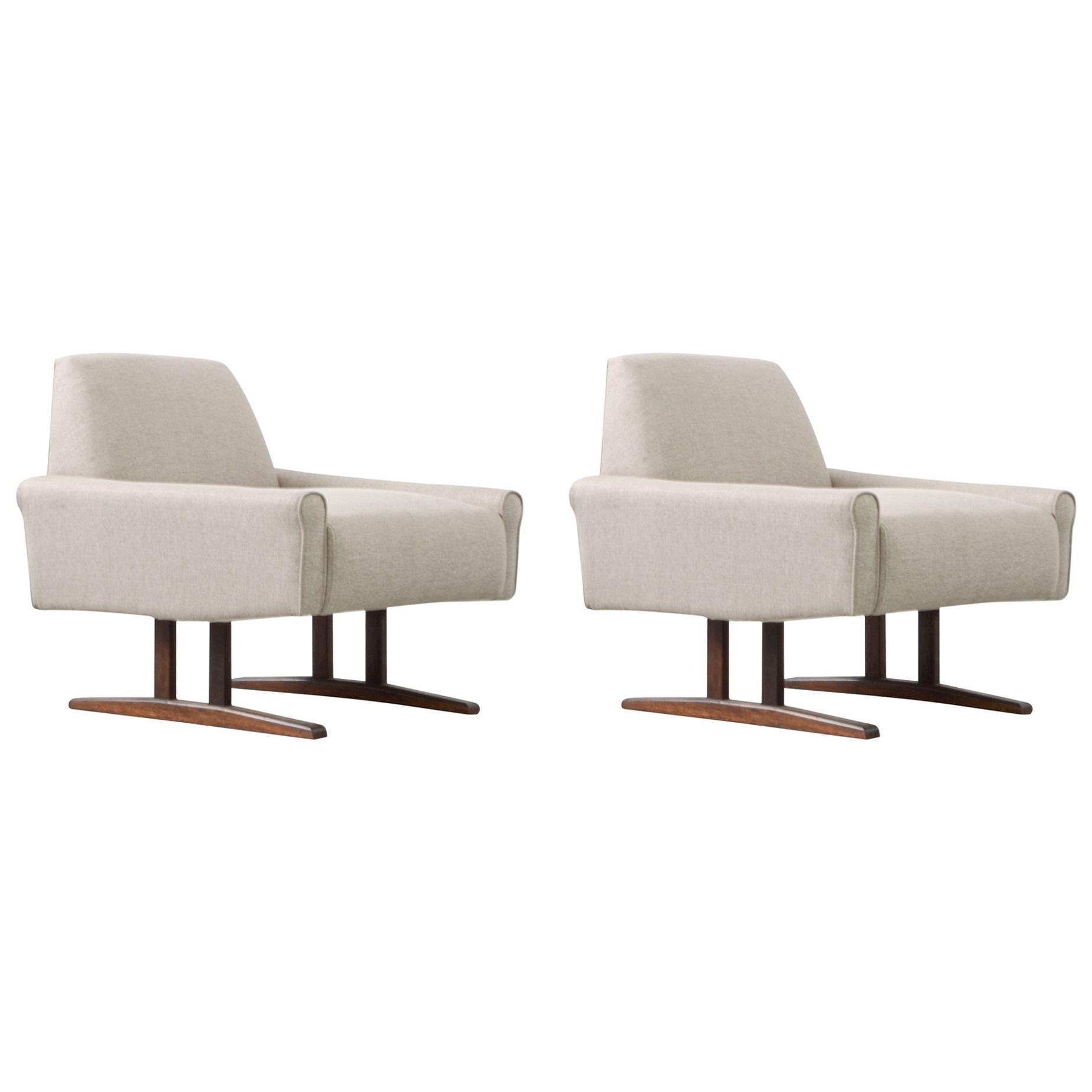 Rare Brazilian Midcentury Pair of Armchairs Made by Jacaranda Rosewood