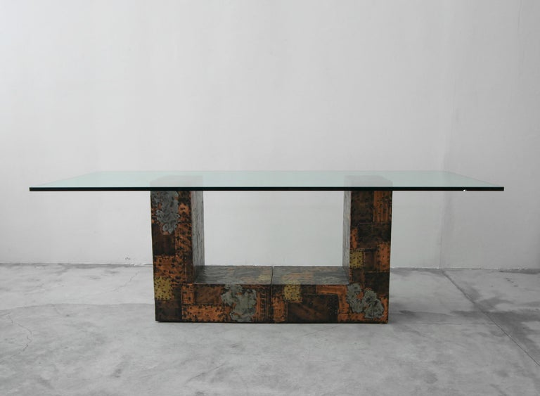 Rare Brutalist Metal Patchwork Pedestal Dining Table by Paul Evans In Good Condition For Sale In Las Vegas, NV