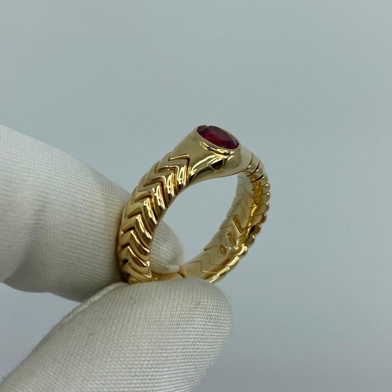 Rare Bvlgari Pink Tourmaline Serpenti Oval Cut 18 Karat Yellow Gold Flex Ring For Sale 6