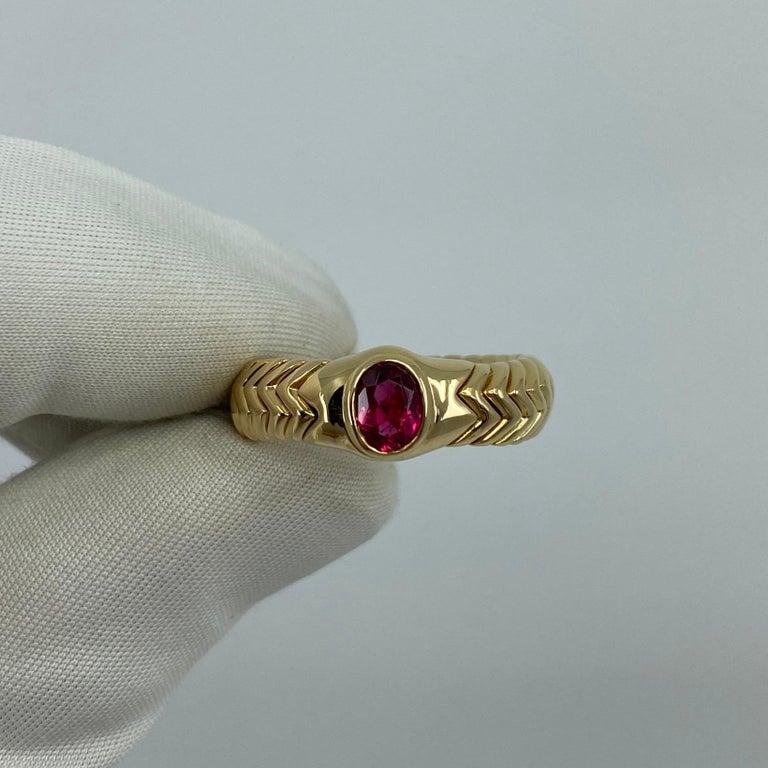 Rare Bvlgari Pink Tourmaline Serpenti Oval Cut 18 Karat Yellow Gold Flex Ring For Sale 7
