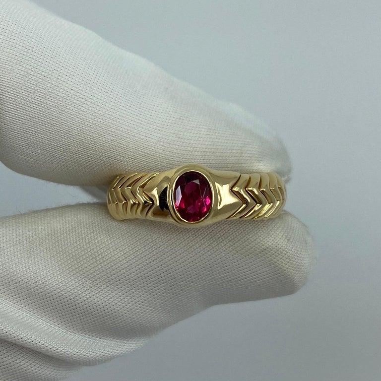 Rare Bvlgari Pink Tourmaline Serpenti Oval Cut 18 Karat Yellow Gold Flex Ring For Sale 3