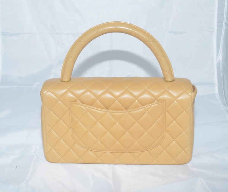 RARE Chanel Beige Quilted Leather Top Handle Medium Bag In Excellent Condition For Sale In Carmel by the Sea, CA