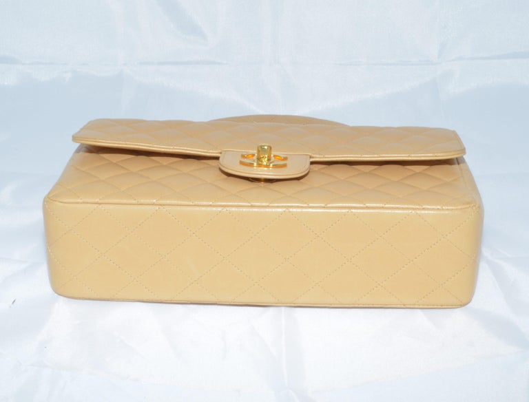 RARE Chanel Beige Quilted Leather Top Handle Medium Bag For Sale 1