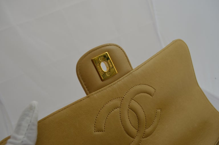 RARE Chanel Beige Quilted Leather Top Handle Medium Bag For Sale 3