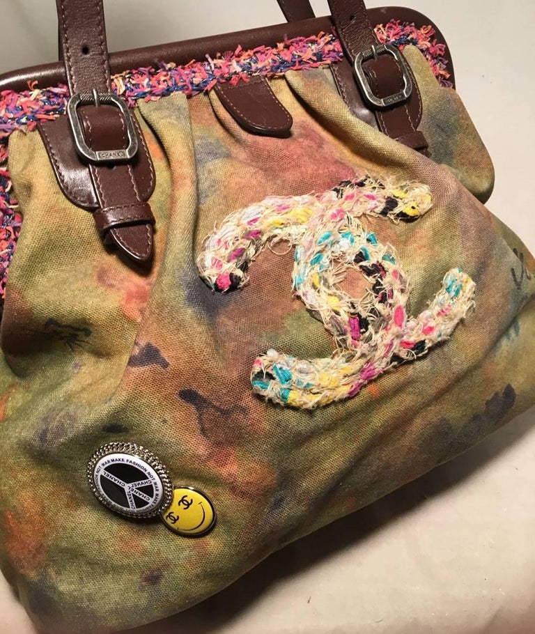 Chanel Runway Graffiti Stenciled On The Pavements Bowling Bag In Excellent Condition For Sale In Philadelphia, PA