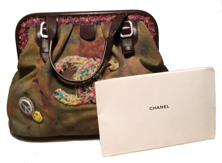 Chanel Runway Graffiti Stenciled On The Pavements Bowling Bag For Sale 3