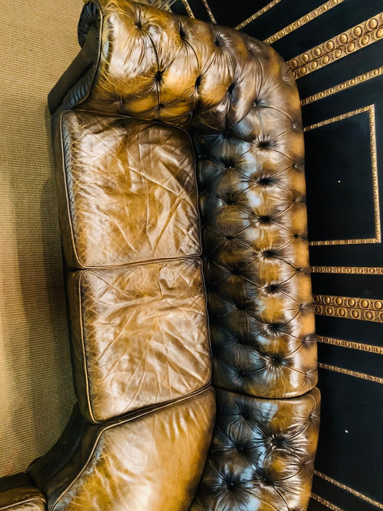 Rare Chesterfield Corner Couch Made of Real Thick Leather For Sale 8