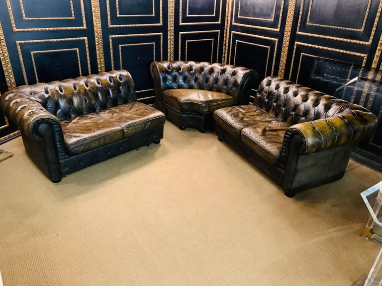 Rare Chesterfield Corner Couch Made of Real Thick Leather For Sale 10
