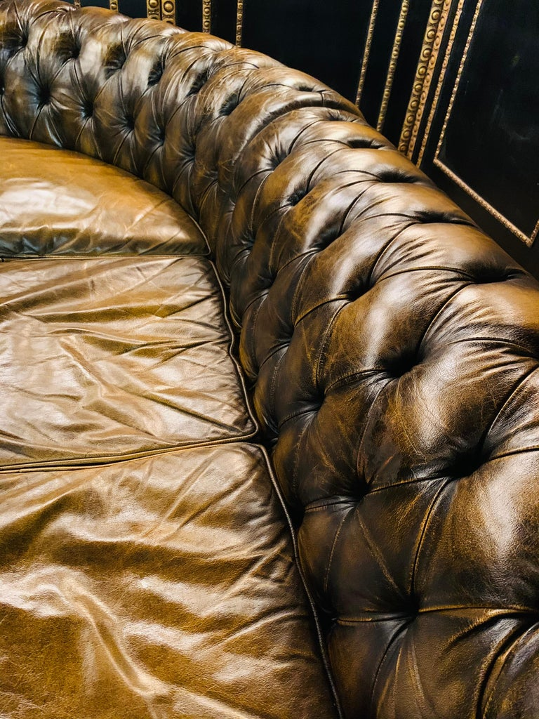 Rare Chesterfield Corner Couch Made of Real Thick Leather For Sale 3