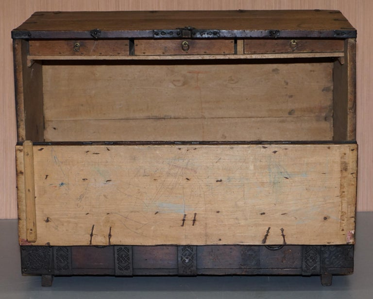 Rare Chinese circa 1840 Campaign Chest Ornate Metal Work Swastika Well Being For Sale 12