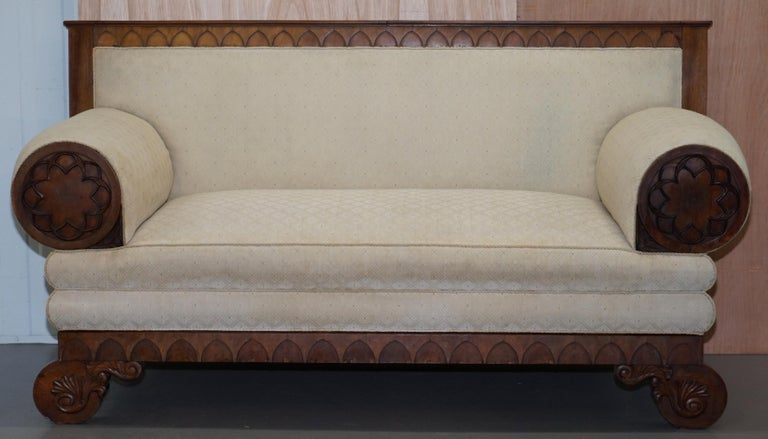 Georgian Rare circa 1780 Metamorphic Gothic Style Sofa Converts into Window Seat Chaise For Sale