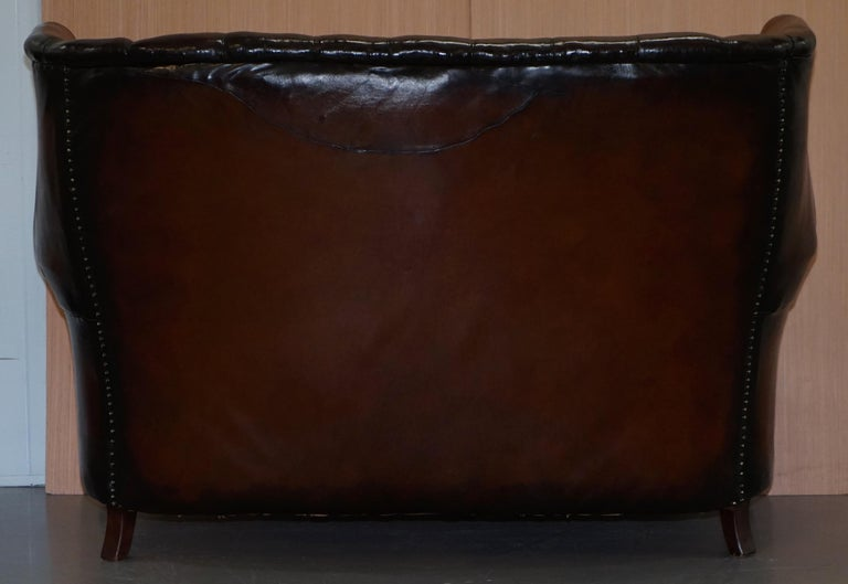 Rare circa 1860 Huge Victorian Brown Leather Barrel Back Suite Sofa Armchair For Sale 5