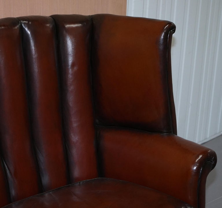 Rare circa 1860 Huge Victorian Brown Leather Barrel Back Suite Sofa Armchair In Good Condition For Sale In London, GB