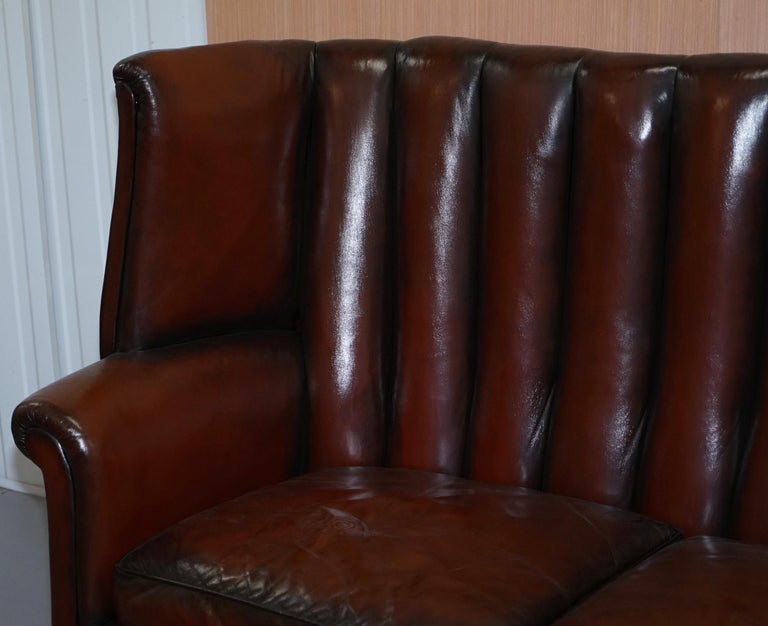 Rare circa 1860 Huge Victorian Brown Leather Barrel Back Suite Sofa Armchair For Sale 1
