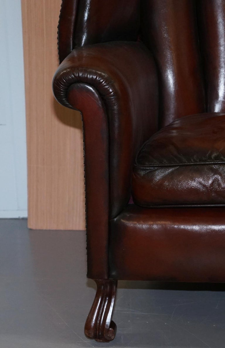 Rare circa 1860 Huge Victorian Brown Leather Barrel Back Suite Sofa Armchair For Sale 2