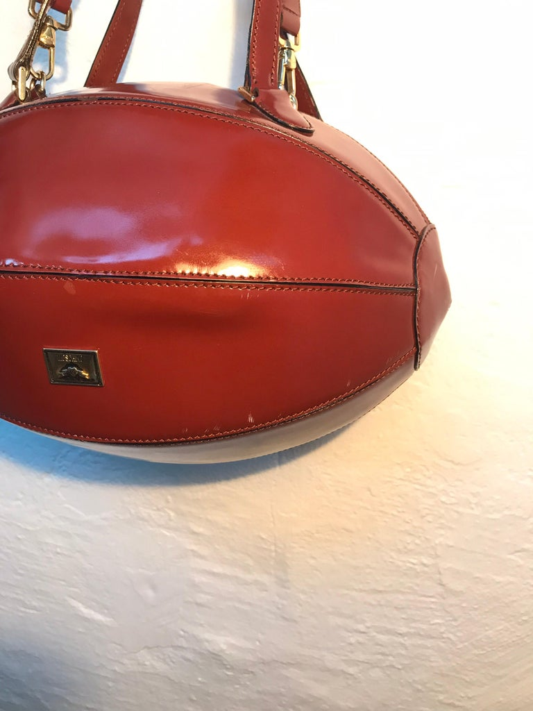 Rare Collectable Vintage Moschino Football Hand Bag In Good Condition For Sale In Søborg, DK