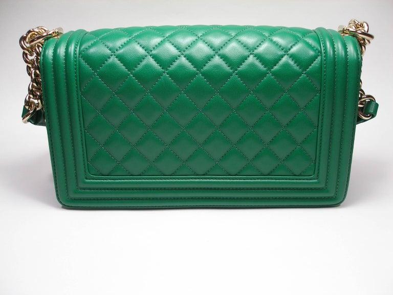dc04d2ba49a9f3 Rare Chanel Medium BOY Bag Fantastic ! LIKE NEW CHANEL BOY 25 GREEN LAMB  GHW Medium