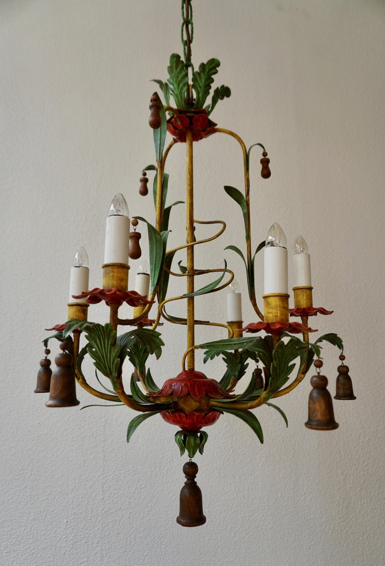 Rare Colorful Painted Tole Chandelier In Good Condition For Sale In Antwerp, BE