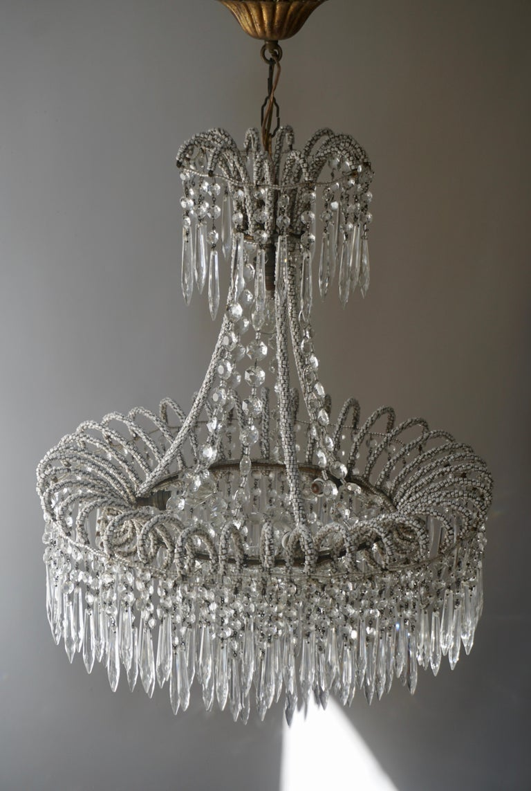 Rare Crystal Waterfall Chandelier Covered with Thousands White Murano Glasses In Good Condition For Sale In Antwerp, BE