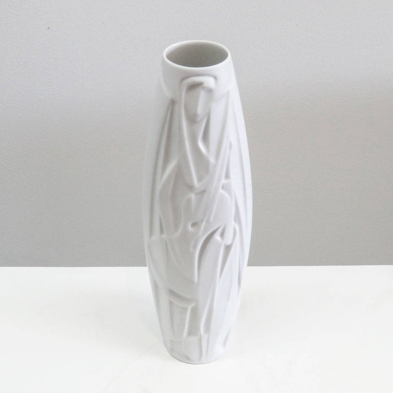 Rare Cuno Fischer Vase 'The Lute Player', 1970 In Excellent Condition For Sale In Los Angeles, CA