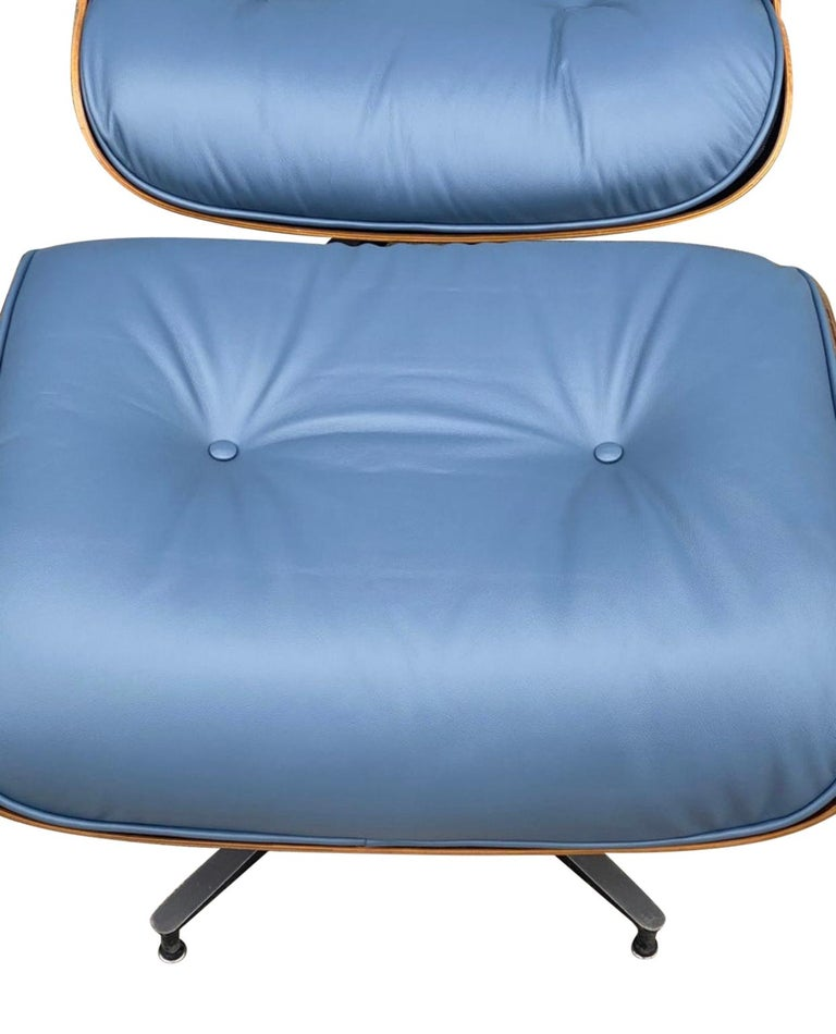 Rare Custom Herman Miller Eames Lounge Chair & Ottoman with Perfect Blue Leather For Sale 4