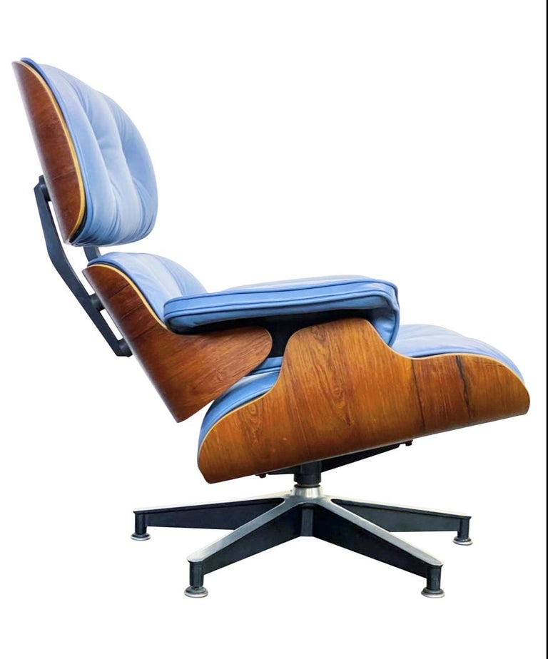 Rare Custom Herman Miller Eames Lounge Chair & Ottoman with Perfect Blue Leather For Sale 5