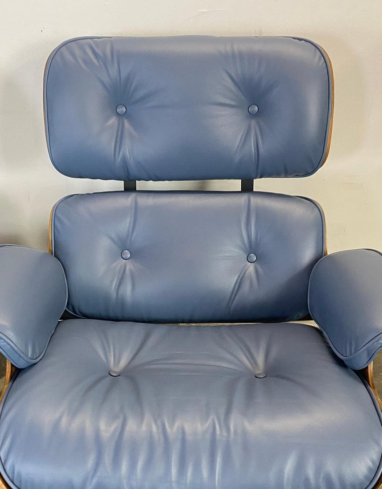 Rare Custom Herman Miller Eames Lounge Chair & Ottoman with Perfect Blue Leather For Sale 8
